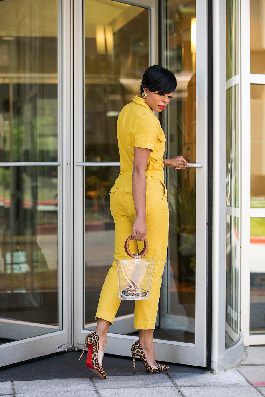 stella-adewunmi-of-jadore-fashion-blog-shares-yellow-madewell-boiler-suit-leopard-pumps