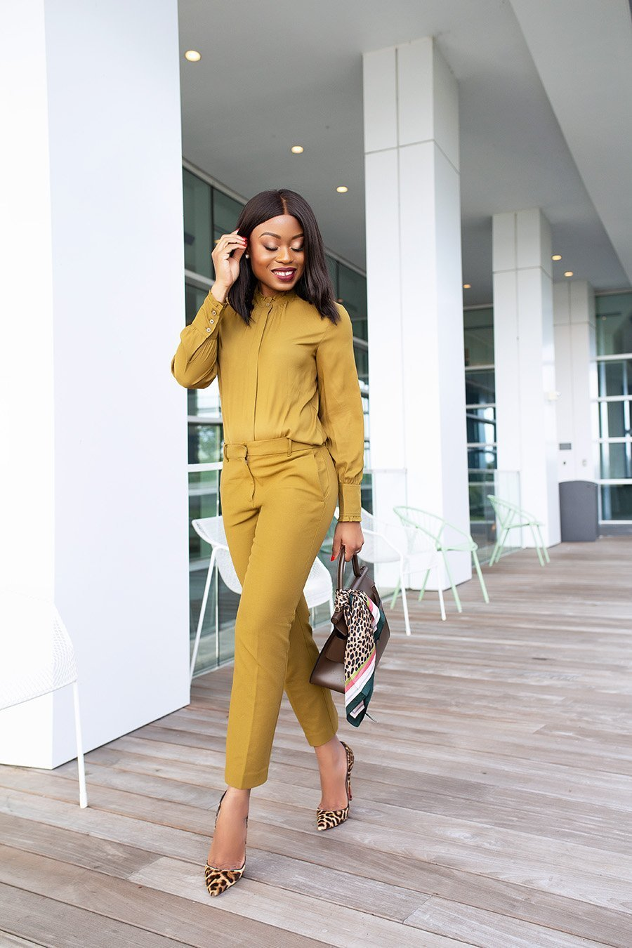 Stella Adewunmi of JadoreFACEBOOK-Fashion in Monochromatic office style