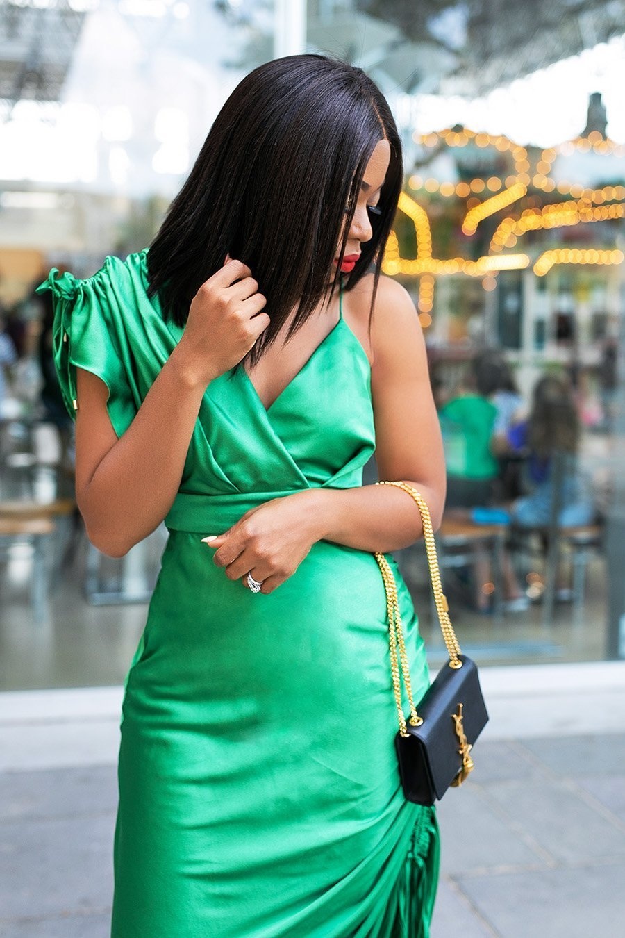 fashion-blogger-Stella-Adewunmi-of-Jadore-Fashion-shares-favorite-holiday-party-dresses