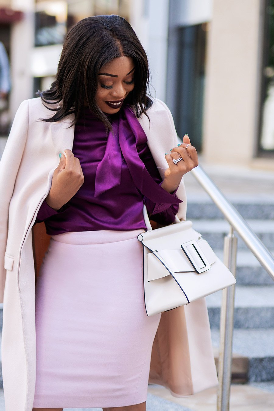Fashion-blogger-Stella-Eneanya-Adewunmi-of-Jadore-Fashion-wearing-light-pink-and-jewel-tone-color-work-outfit