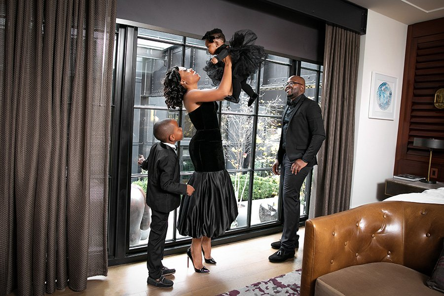 Stella Adewunmi of Jadore-Fashion shares new year with family