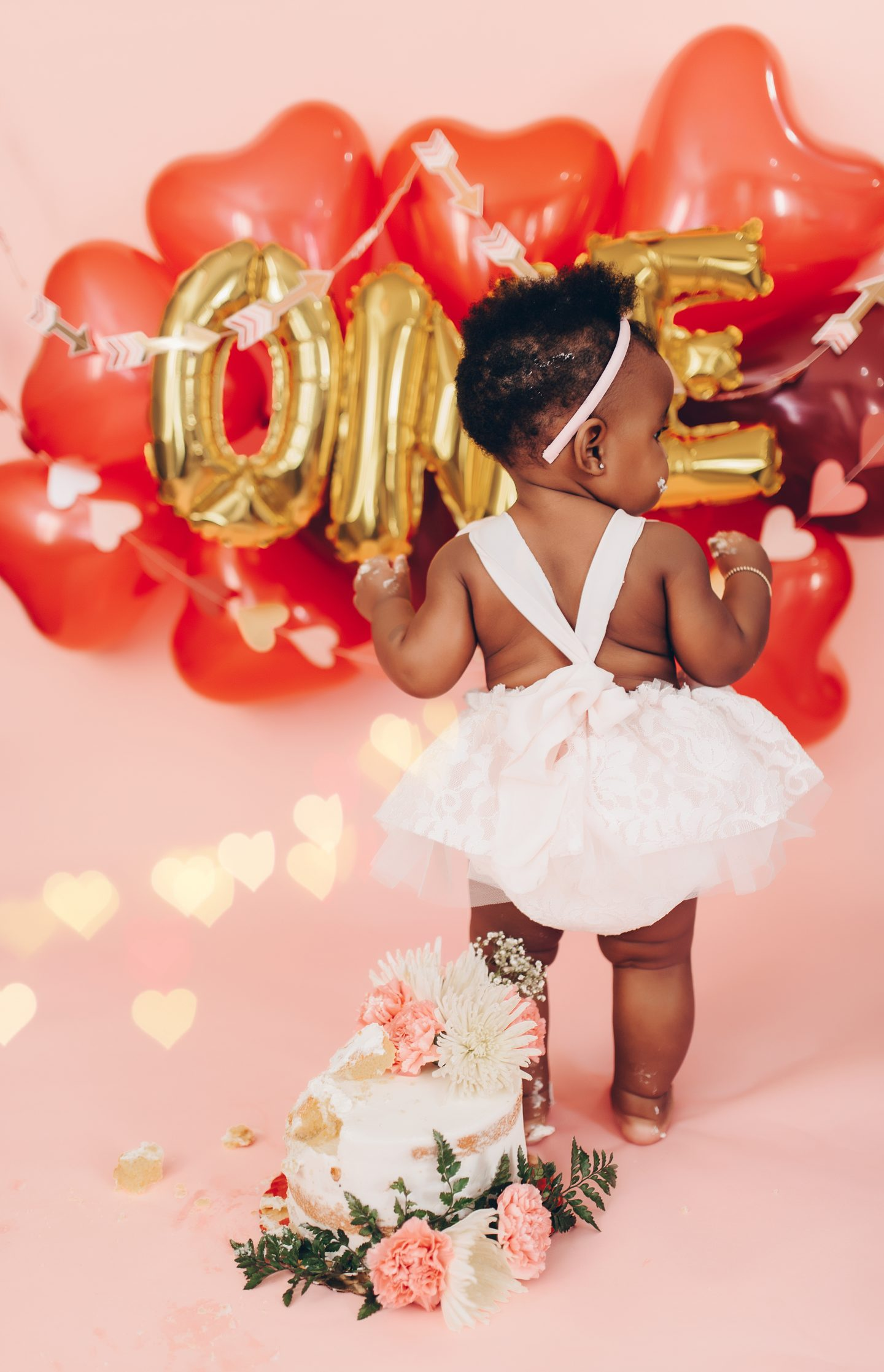stella-adewunmi-of-jadore-fashion-shares-novas-first-birthday-cake-and-tutu