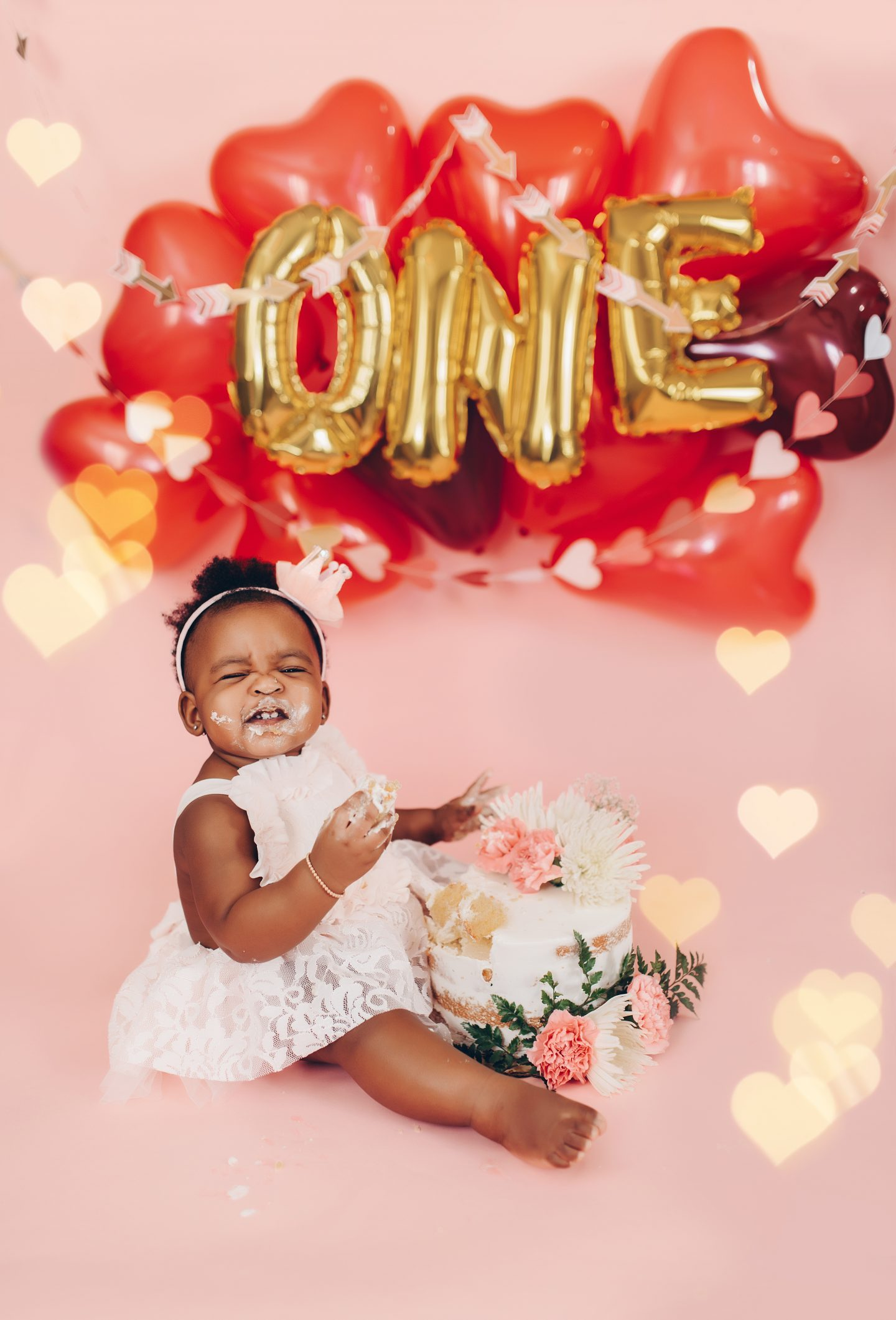 stella-adewunmi-of-jadore-fashion-shares-first-birthday-cake