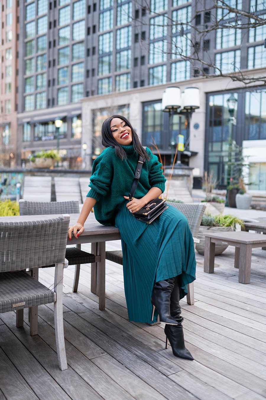 stella-adewunmi-of-jadore-fashion-blog-shares-pleated-skirt-for-work