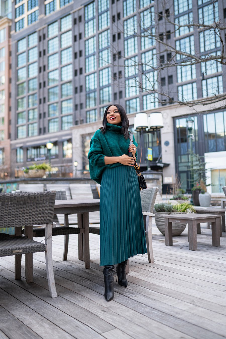 stella-adewunmi-of-jadore-fashion-blog-shares-how-to-wear-pleated-skirt-for-spring-work