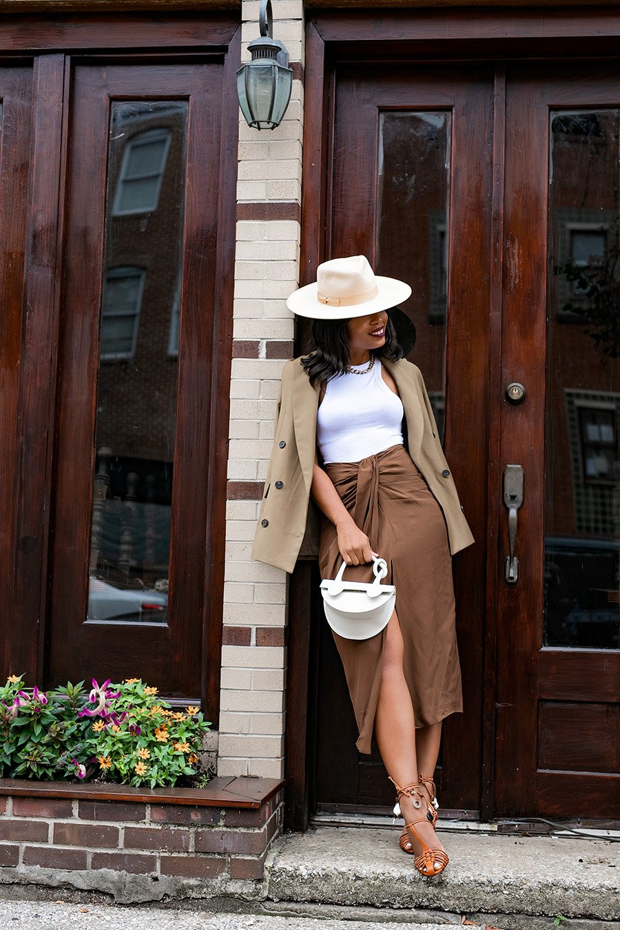 neutral-outfit-for-spring-summer