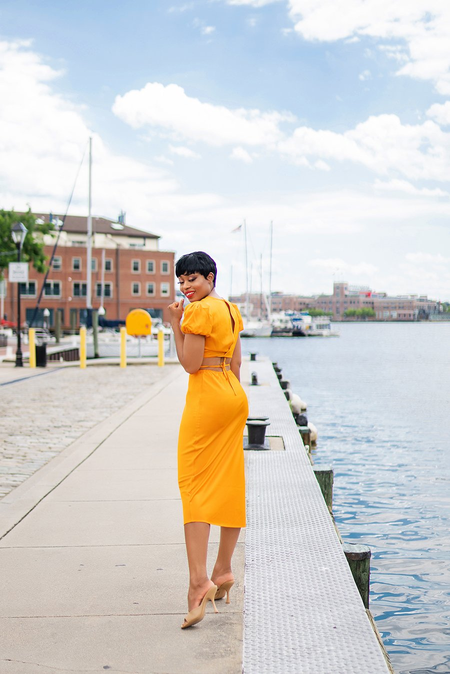 stella-adewunmi-of-jadore-fashion-blog-shares-wayf-cropped-top-midi-skirt-baltimore-fells-point