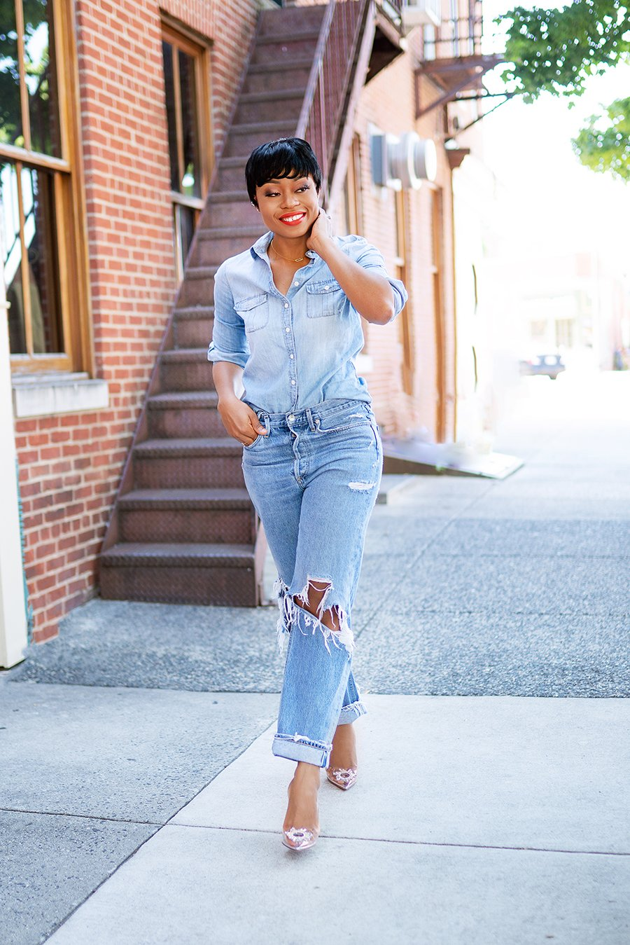 stella-adewunmi-of-jadore-fashion-blog-shares-casual-jeans-fells-point