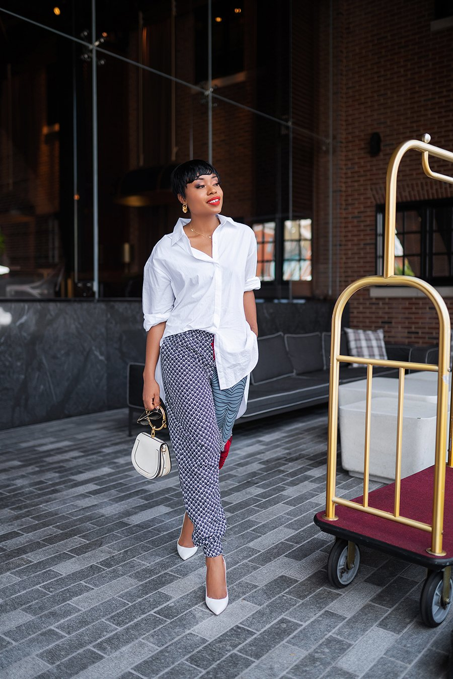 stella-adewunmi-of-jadore-fashion-blog-shares-chic-way-to-wear-ankara-joggers-oversized-white-shirt