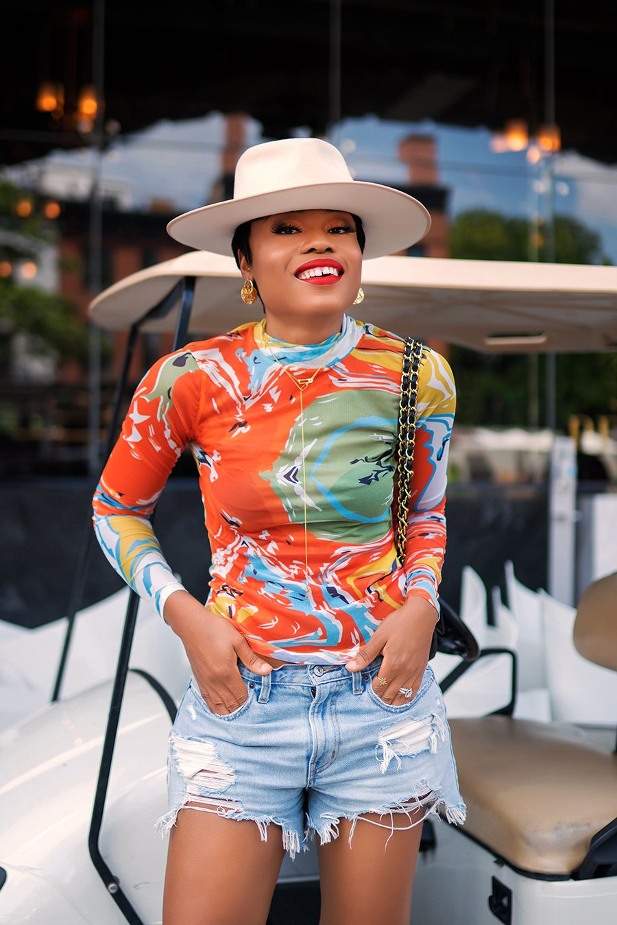 stella-adewunmi-of-jadore-fashion-blog-shares-abercrombie-and-fitch-denim-shorts-kai-collective-top