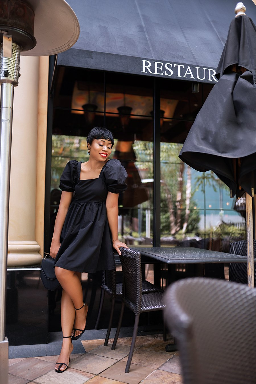 stella-adewunmi-of-jadore-fashion-blog-shares-HMxme-Little-black-dress