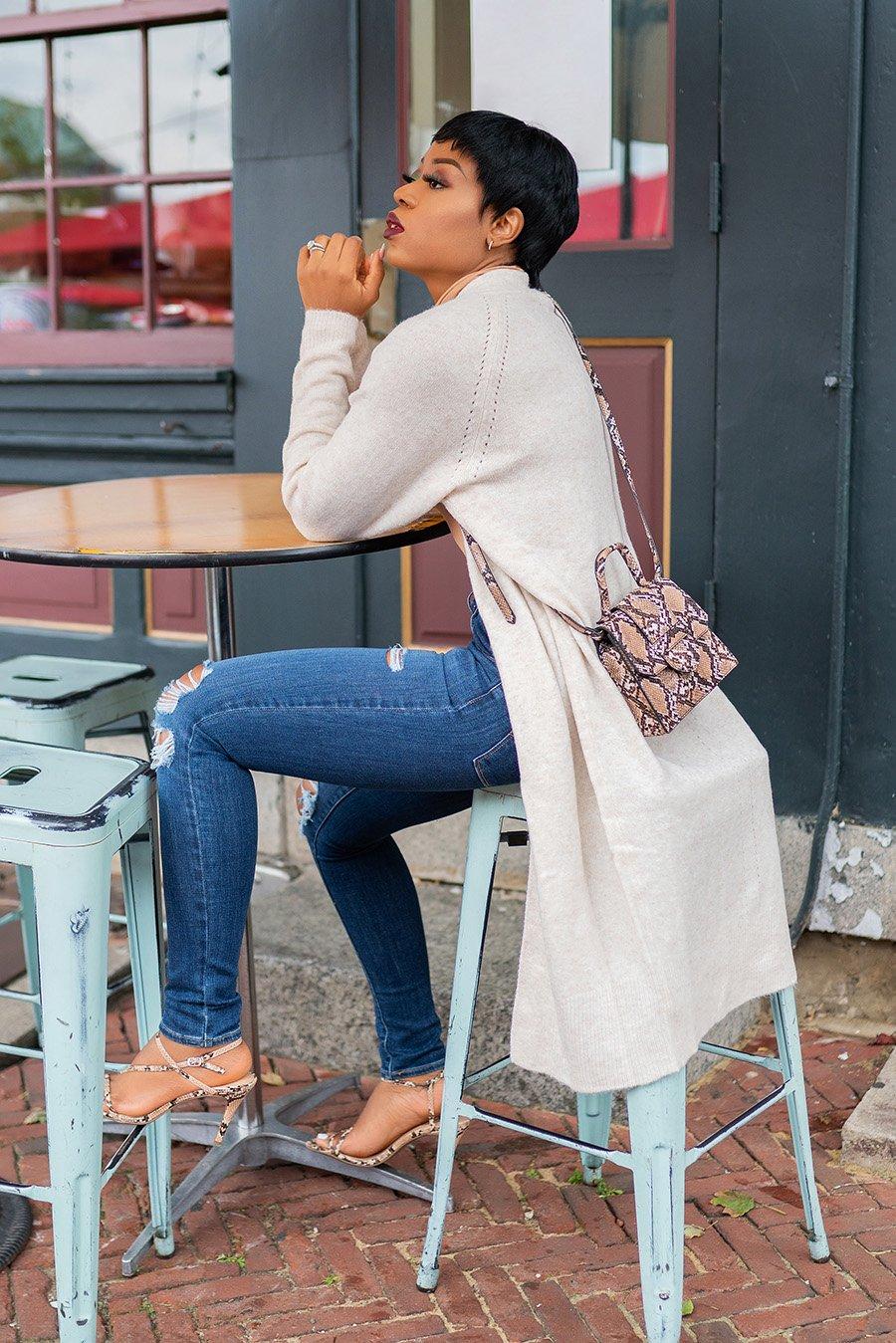 stella-adewunmi-of-jadore-fashion-blog-shares-affordable-fall-trends-cardigan-snakeskin