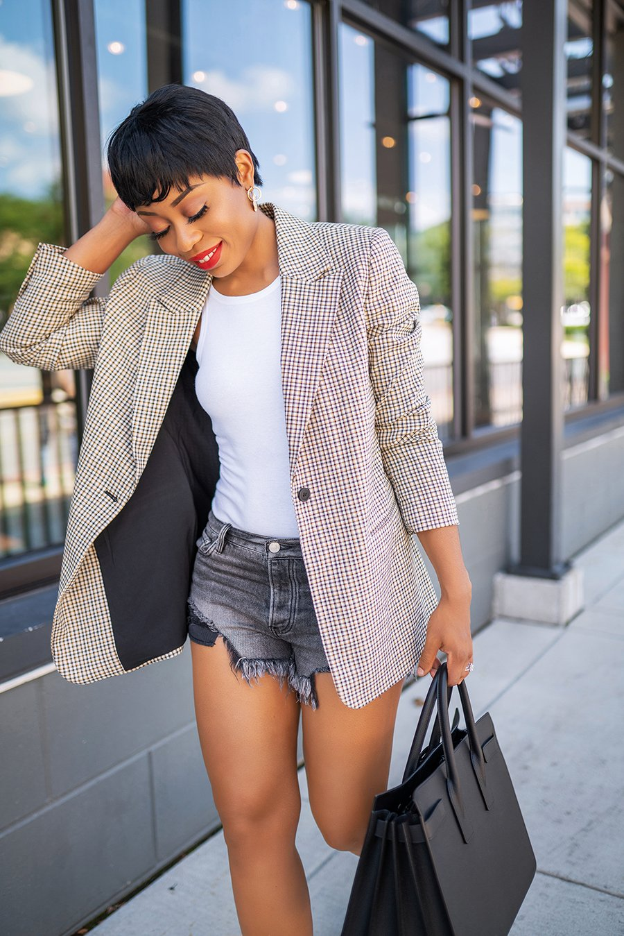 stella-adewunmi-of-jadore-fashion-blog-shares-fall-check-print-blazer-trend