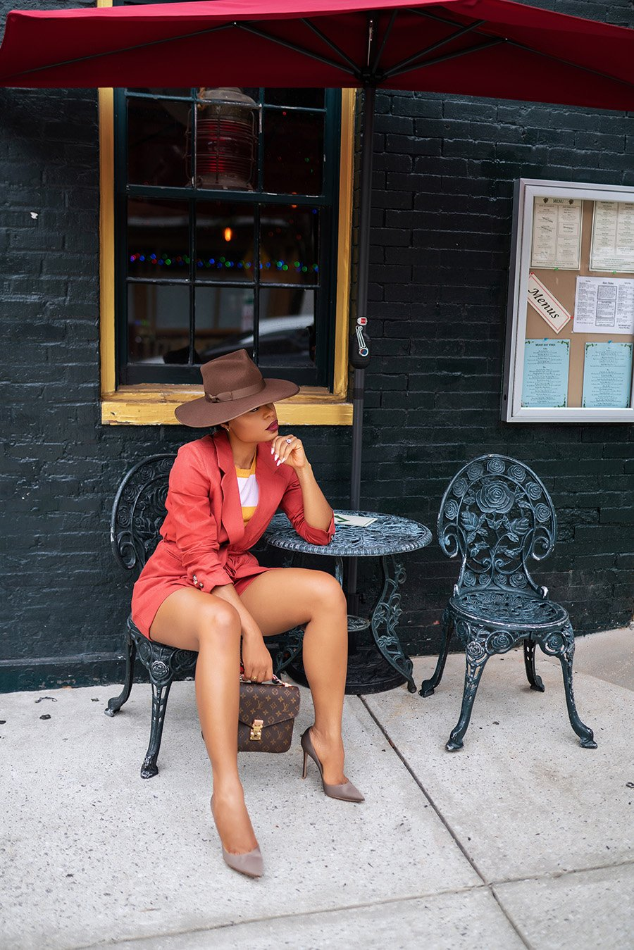 stella-adewunmi-of-jadore-fashion-blog-shares-how-to-wear-shorts-suit-for-fall-transition-shorts-blazer-pumps-wool-hat