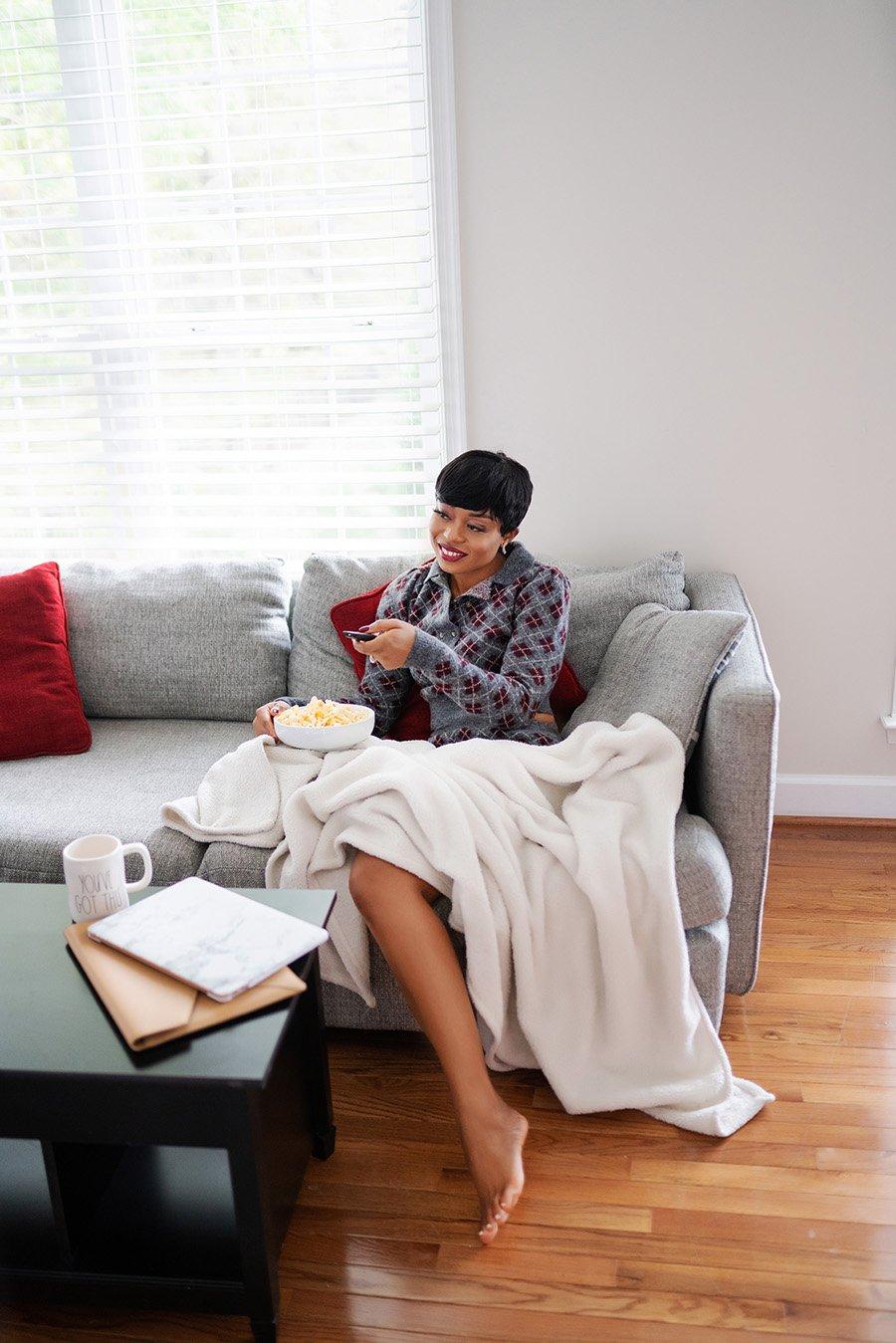 stella-adewunmi-of-jadore-fashion-blog-shares-cozy-loungewear-holiday-gift-ideas-for-homebody