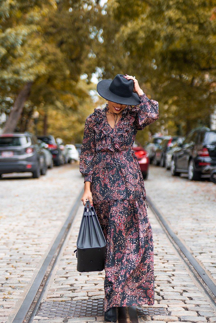 stella-adewunmi-of-jadore-fashion-blog-shares-mango-print-maxi-dress-for-fall