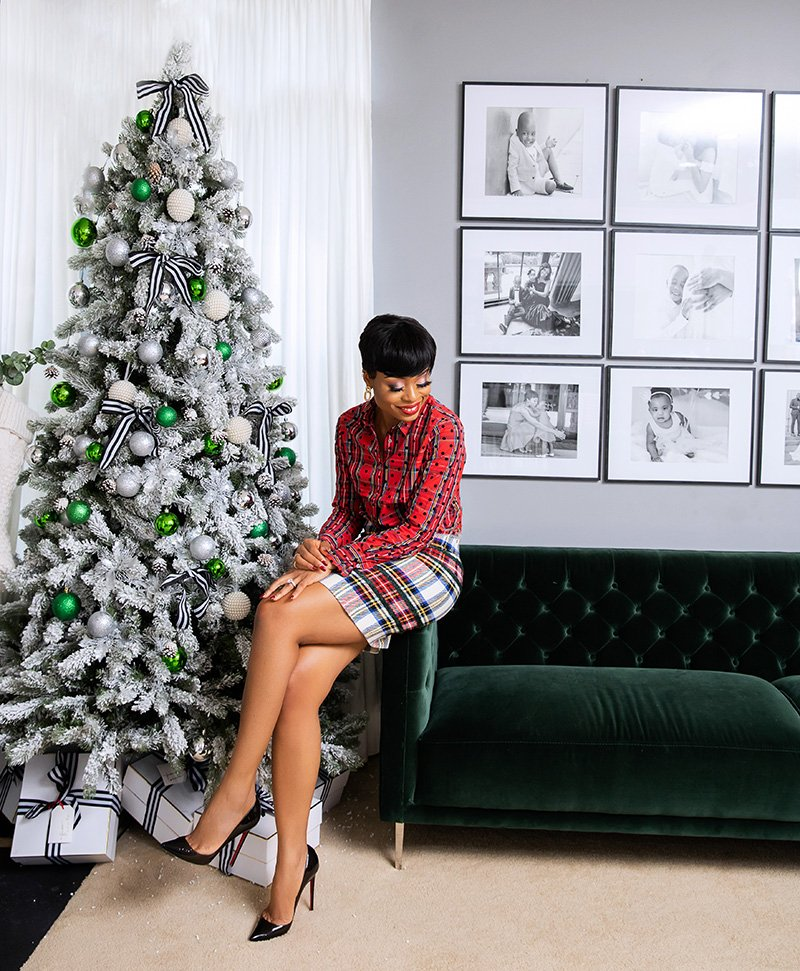 stella-adewunmi-of-jadore-fashion-blog-shares-jcrew-plaid-skirt-top