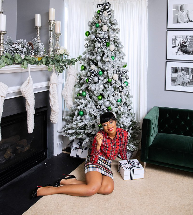 stella-adewunmi-of-jadore-fashion-blog-shares-holiday-jcrew-plaid-tartan-print