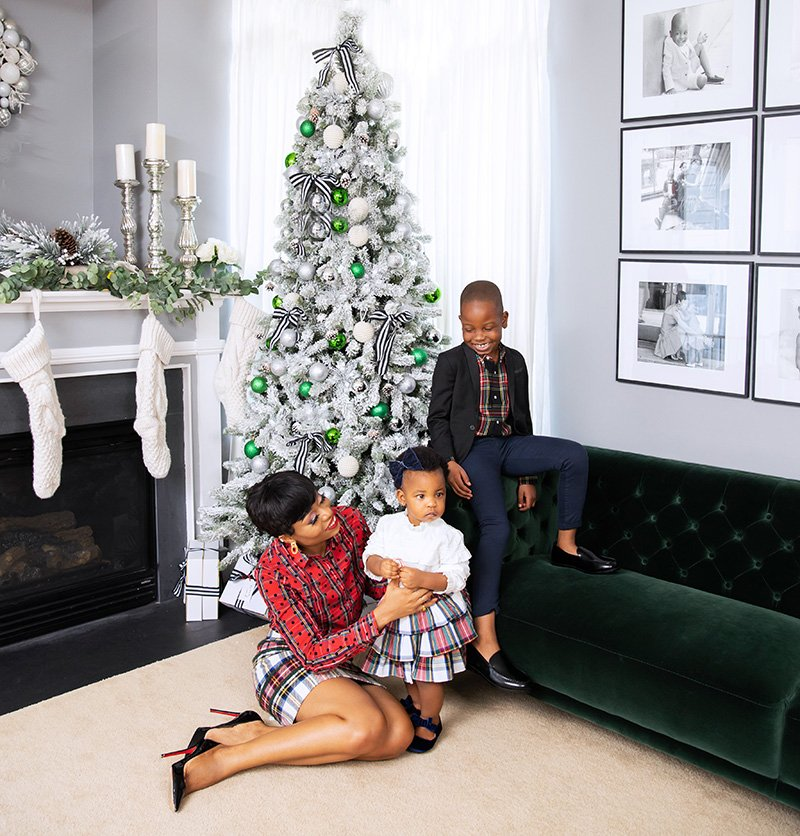 stella-adewunmi-of-jadore-fashion-blog-shares-easy-plaid-outfit-for-holiday-kids-jcrew