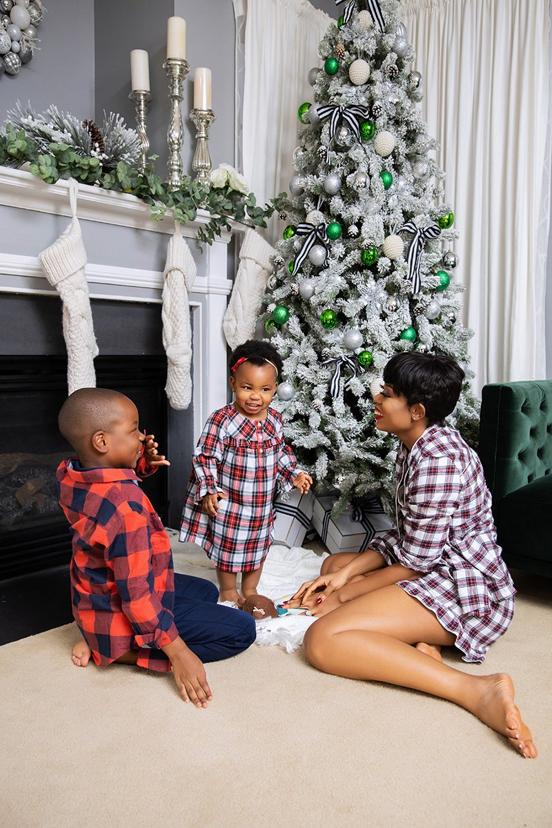 stella-adewunmi-of-jadore-fashion-blog-shares-holiday-family-jcrew-plaid-pajamas-holiday-movies-to-watch