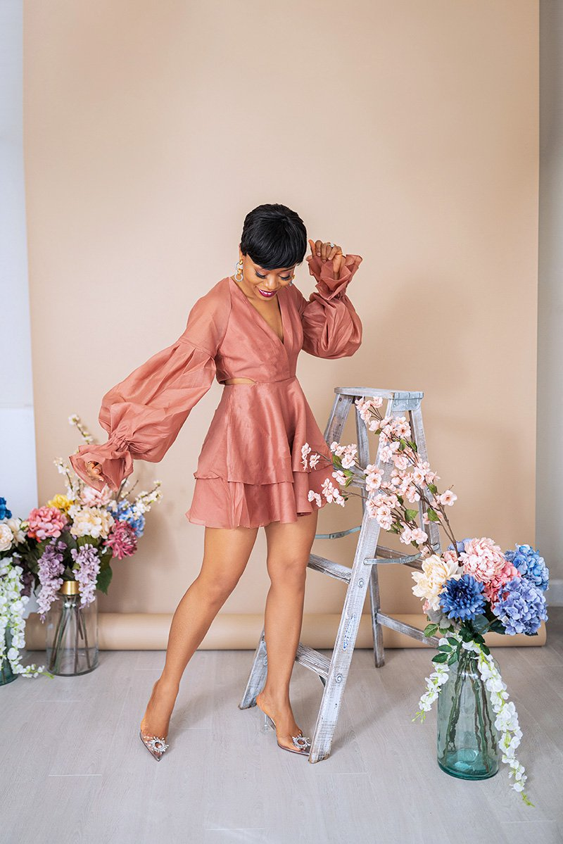 Stella-adewunmi-of-jadore-fashion-blog-share-this-is-the-spring-dress-you-need-now