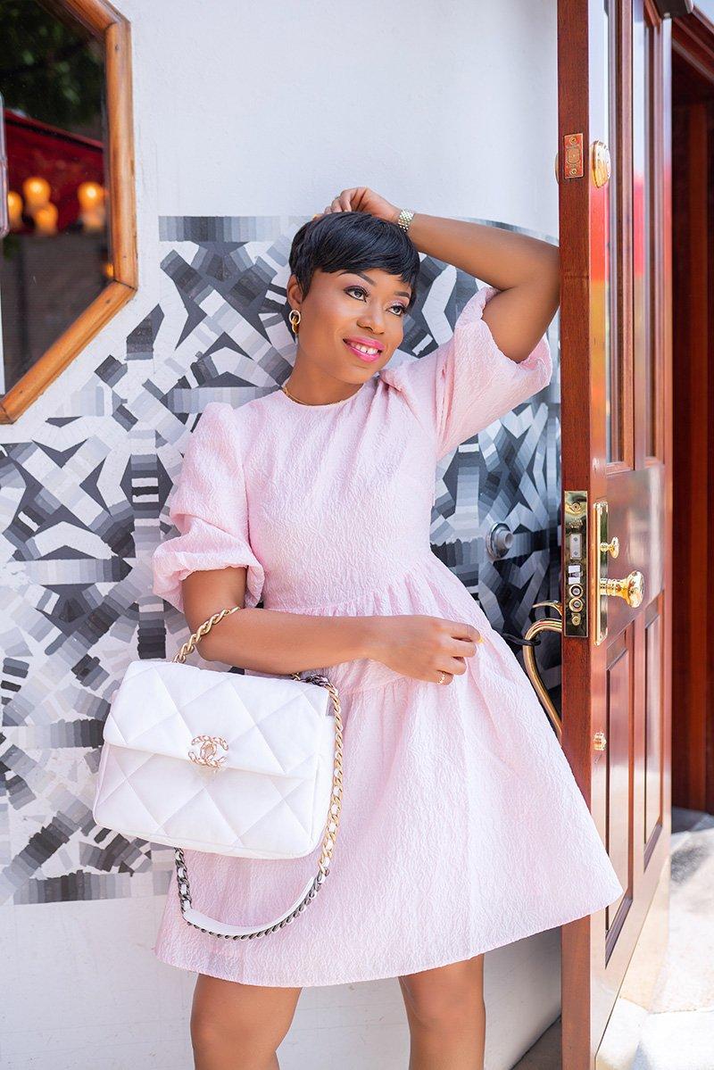 stella-adewunmi-of-jadore-fashion-blog-summer-pink-dress-chanel19-bag
