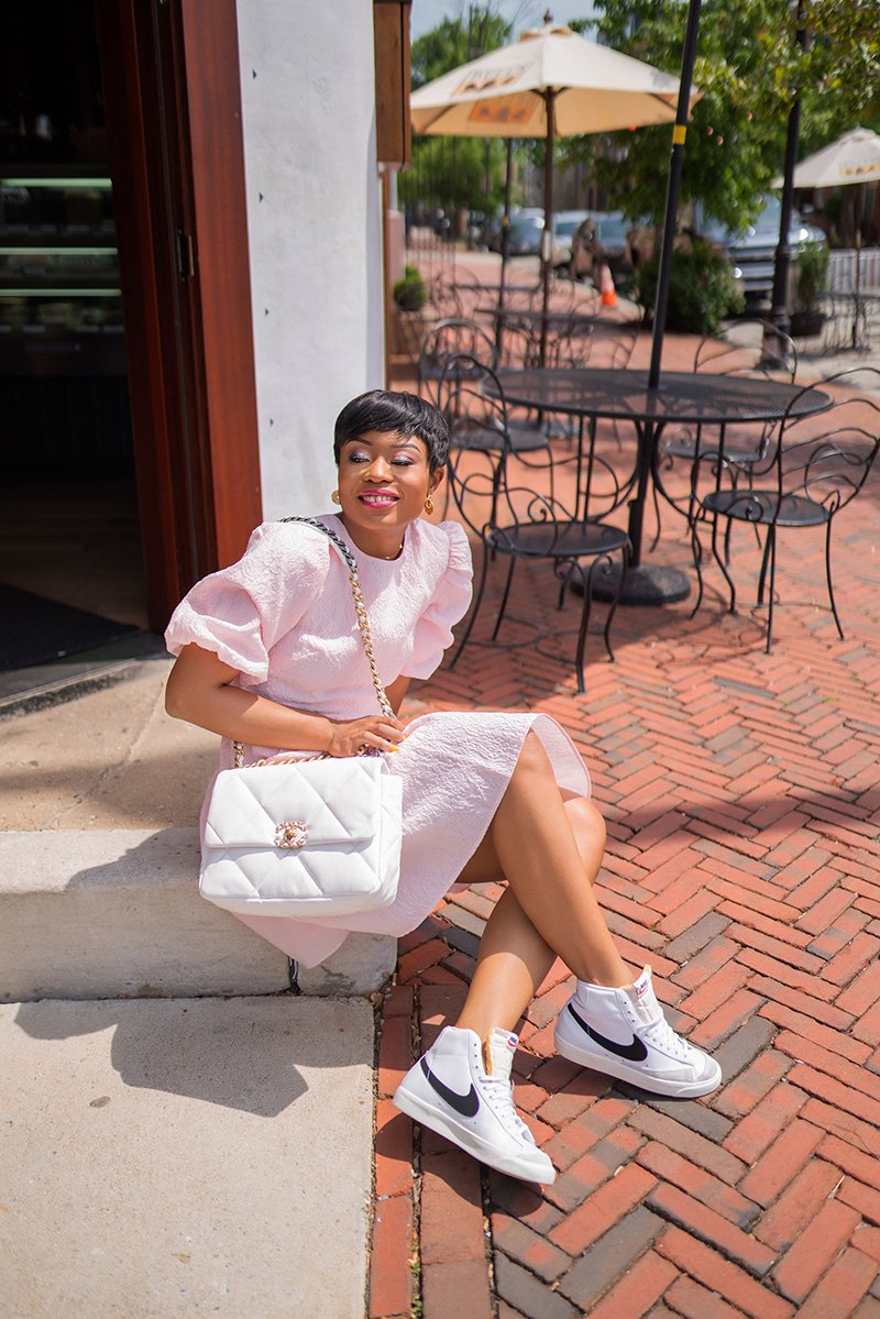 stella-adewunmi-of-jadore-fashion-blog-pink-dress-nike-sneakers